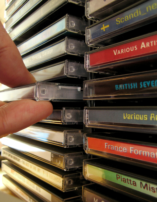 3 Steps to Making Your CDs and DVDs Stand Out on The Shelf