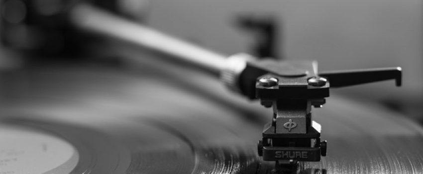 The Great Debate: CD Versus Vinyl