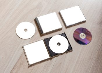 Jewel Cases vs. Card Wallets – Which Should You Choose For Your Release?